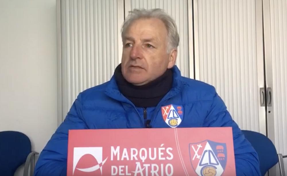 Miguel Sola en la previa al partido del Leioa