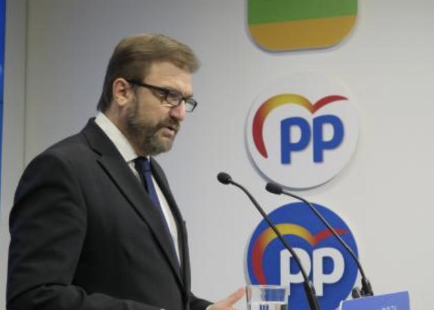 """Bretón exige que cesen """"los ataques"""" del gobierno regional a la concertada"""