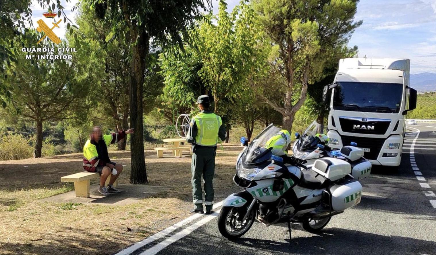 Un camionero se emborracha y llama a la policía para poder jubilarse